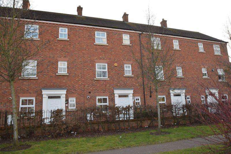 3 Bedrooms Terraced House for sale in Broadbent Close, Lichfield