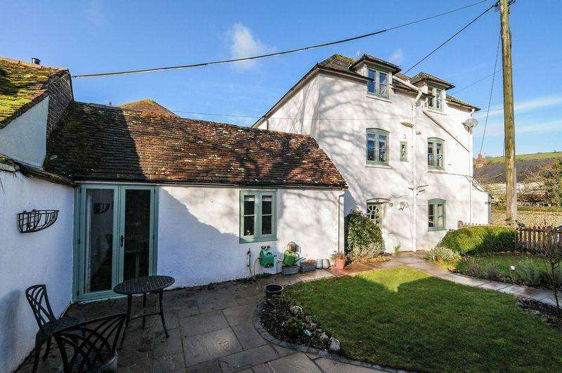 4 Bedrooms Semi Detached House for sale in East Dean, Chichester