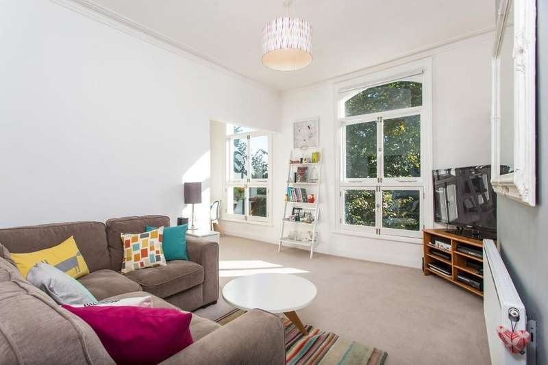 1 Bedroom Apartment Flat for sale in Upper Park Road, London