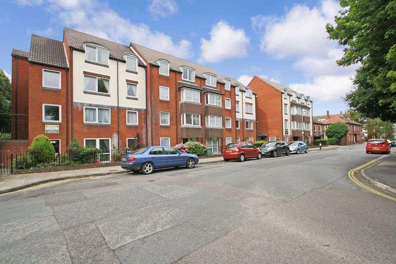 1 Bedroom Property for sale in Homerose House, Southsea, PO5 1DU