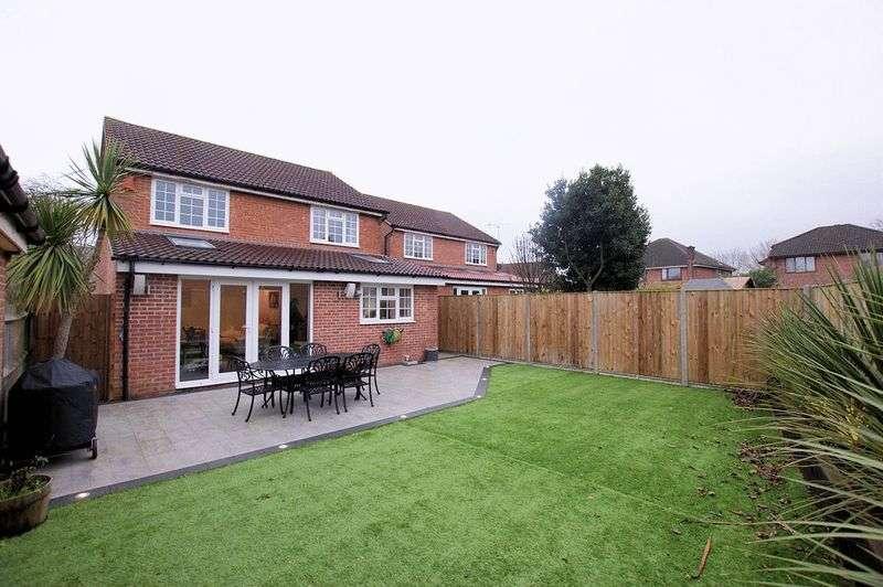 4 Bedrooms Property for sale in Longacres, Titchfield Common, Fareham