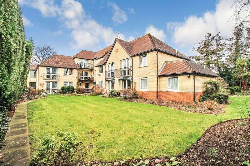 1 Bedroom Property for sale in Westwood Court (Enfield), Enfield, EN1 2HQ