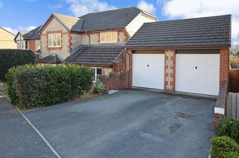 4 Bedrooms Property for sale in De Tracey Park, Bovey Tracey