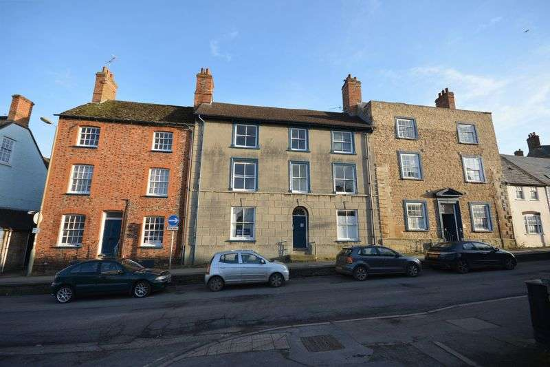 15 Bedrooms Property for sale in Marlborough Street, Faringdon