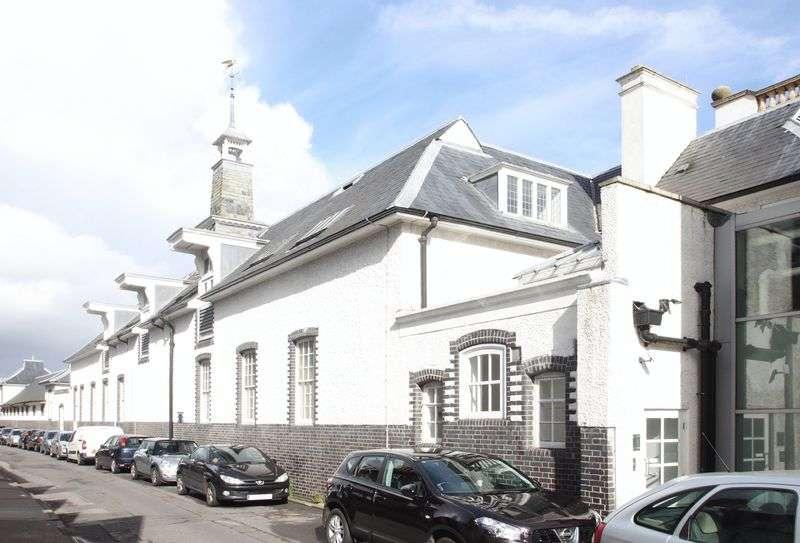1 Bedroom Property for rent in Kent Road, West Wickham