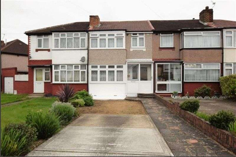 3 Bedrooms Property for sale in Dean Drive, Stanmore, Middlesex, HA7 1HB