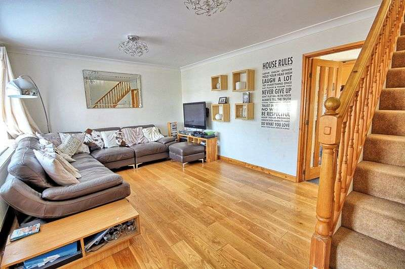 3 Bedrooms Property for sale in Sassoon Way, Maldon