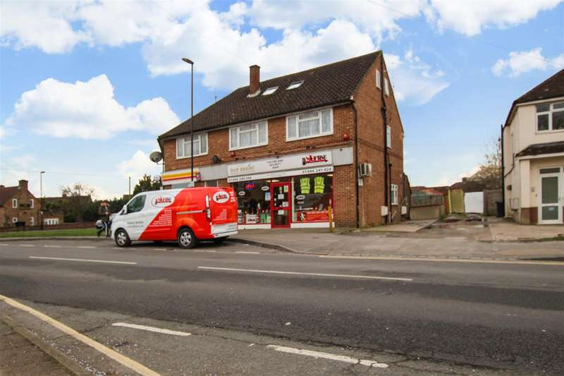 2 Bedrooms Flat for sale in Royal George Road, Burgess Hill