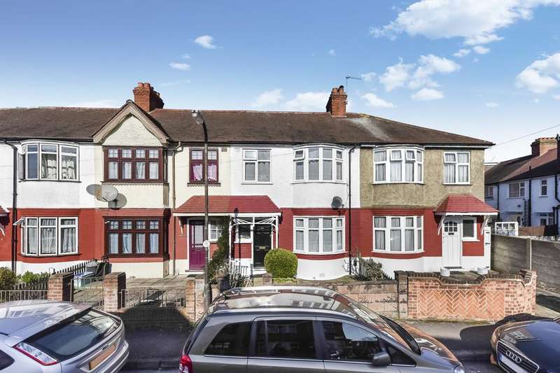 3 Bedrooms Terraced House for sale in Russell Road, Mitcham CR4