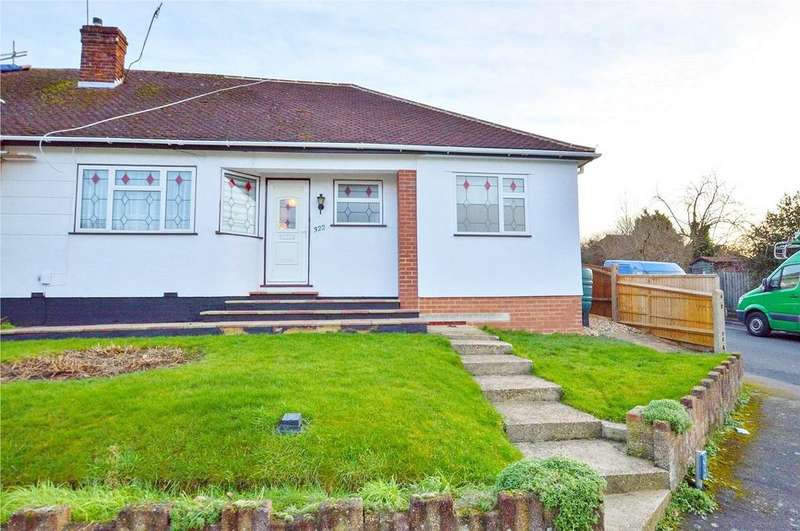 3 Bedrooms Semi Detached Bungalow for sale in Park Avenue, Bushey, Hertfordshire, WD23