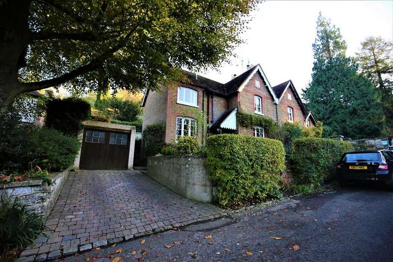 3 Bedrooms Semi Detached House for sale in Old Loose Hill, Loose, Maidstone