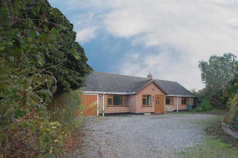 3 Bedrooms Detached Bungalow for sale in Pearsons Road, Holt