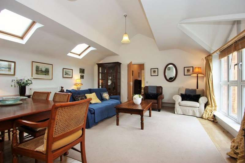 2 Bedrooms Apartment Flat for sale in West Park Close, Stratford upon Avon