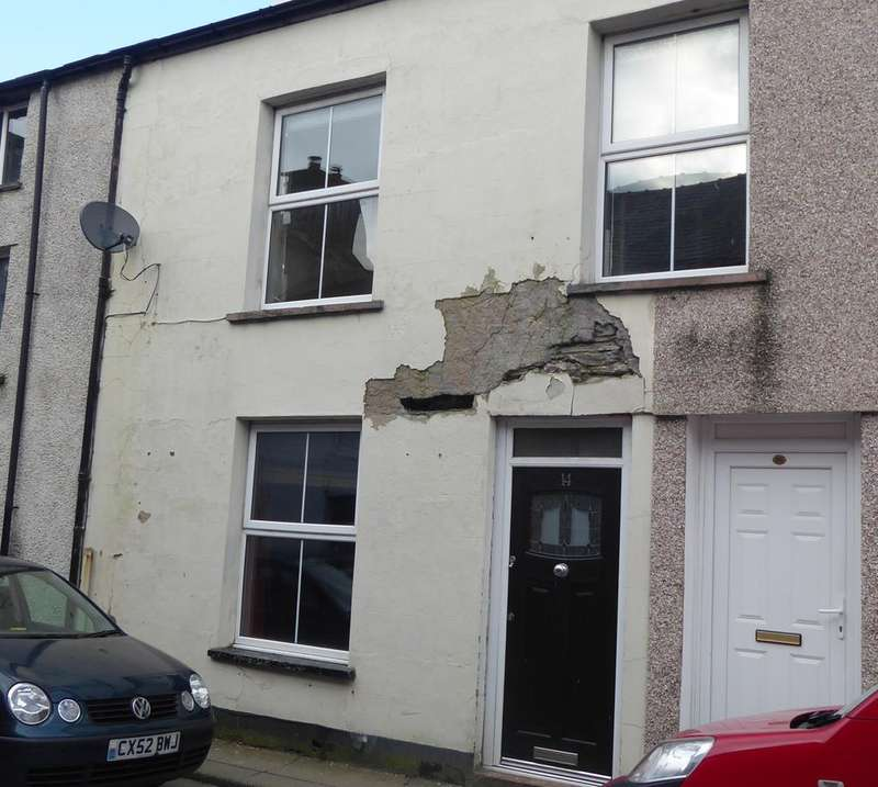 2 Bedrooms Terraced House for sale in BALA LL23