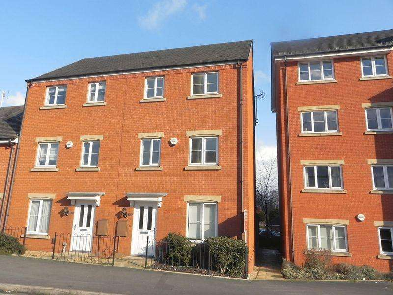 3 Bedrooms Terraced House for rent in Franchise Street, Kidderminster, DY11 6SP