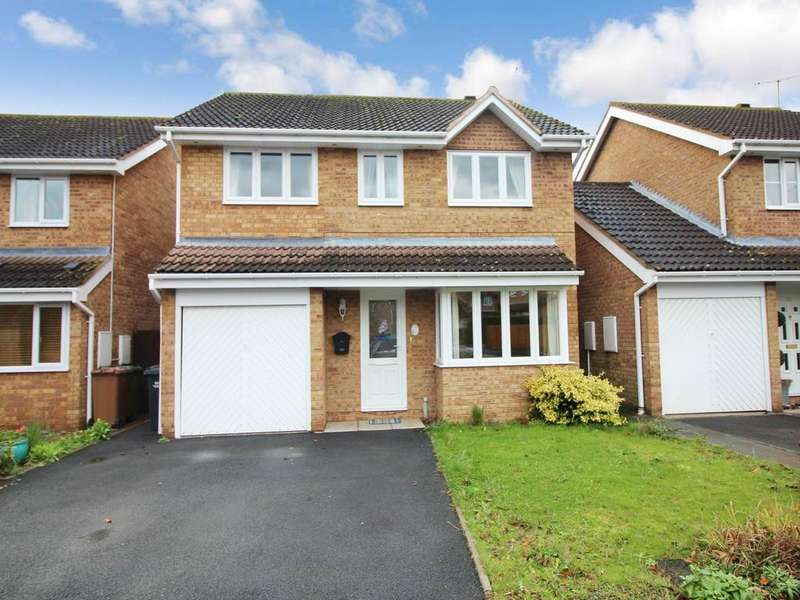 4 Bedrooms House for rent in Falkland Road, Evesham, Worcestershire
