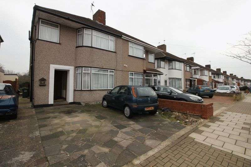 3 Bedrooms Property for sale in Winchester Road, Queensbury, Harrow, Middlesex, HA3