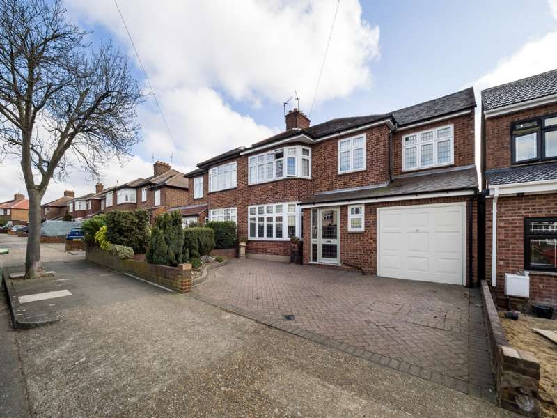 5 Bedrooms Semi Detached House for sale in Lodge Avenue, Gidea Park