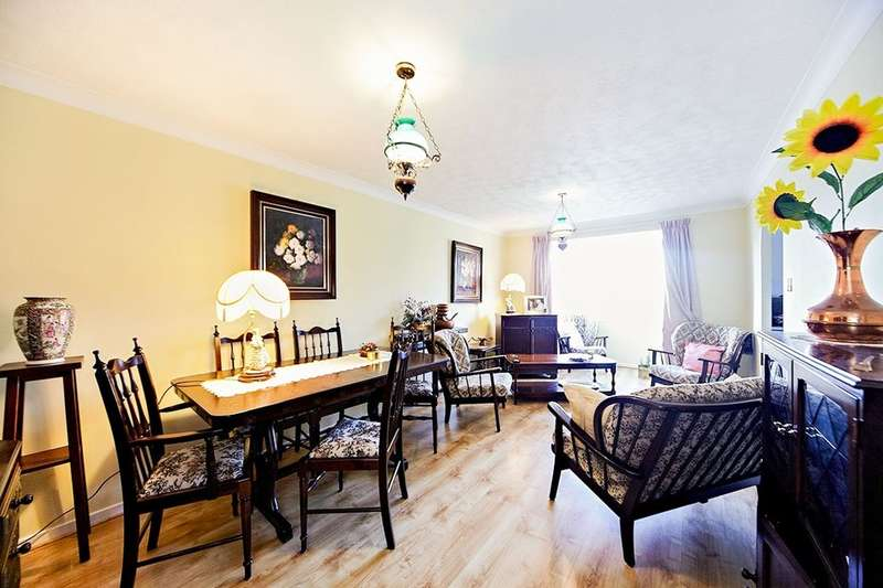 2 Bedrooms Flat for sale in North Road, London, SW19