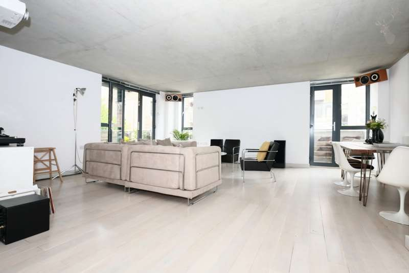 3 Bedrooms Apartment Flat for sale in Lutheran Mews, Dalston Lane, London, E8