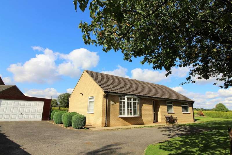 3 Bedrooms Detached House for sale in Main Road, East Kirkby, Spilsby, PE23 4BY