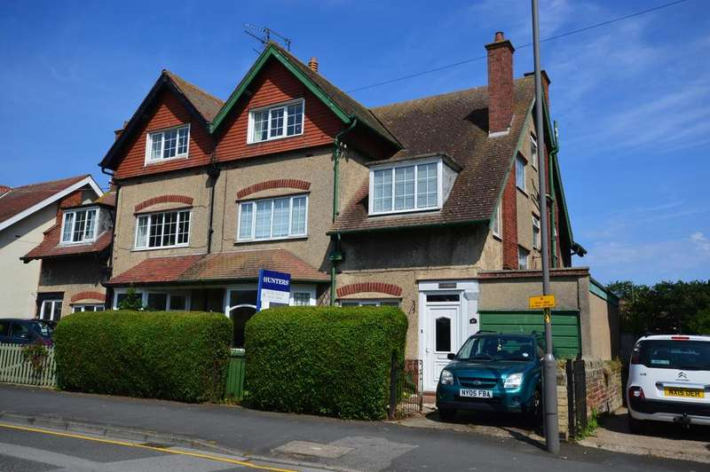 5 Bedrooms Semi Detached House for sale in Little Haven, West Avenue, Filey, YO14 9AX
