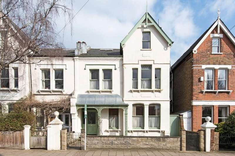 5 Bedrooms Semi Detached House for sale in Baskerville Road, London