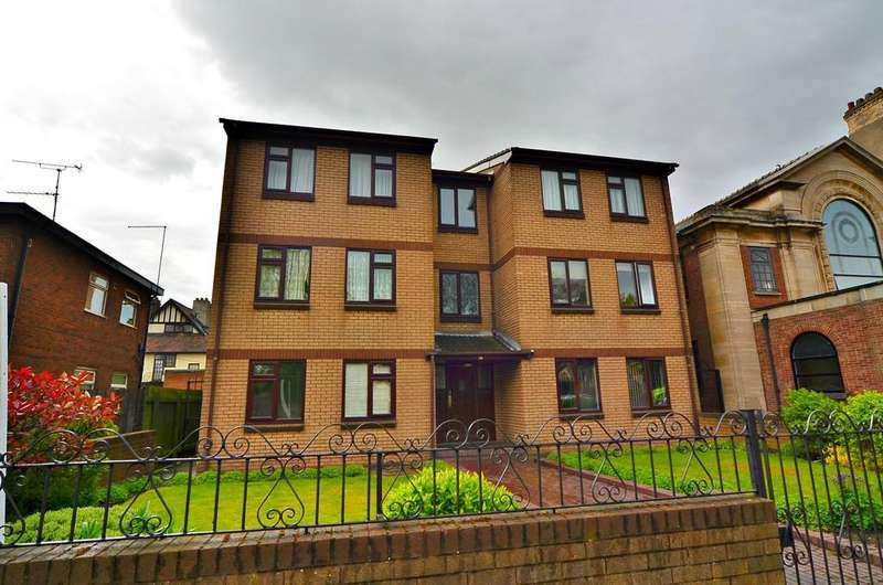 1 Bedroom Ground Flat for sale in 2 Alexander Court, 381 Beverley Road