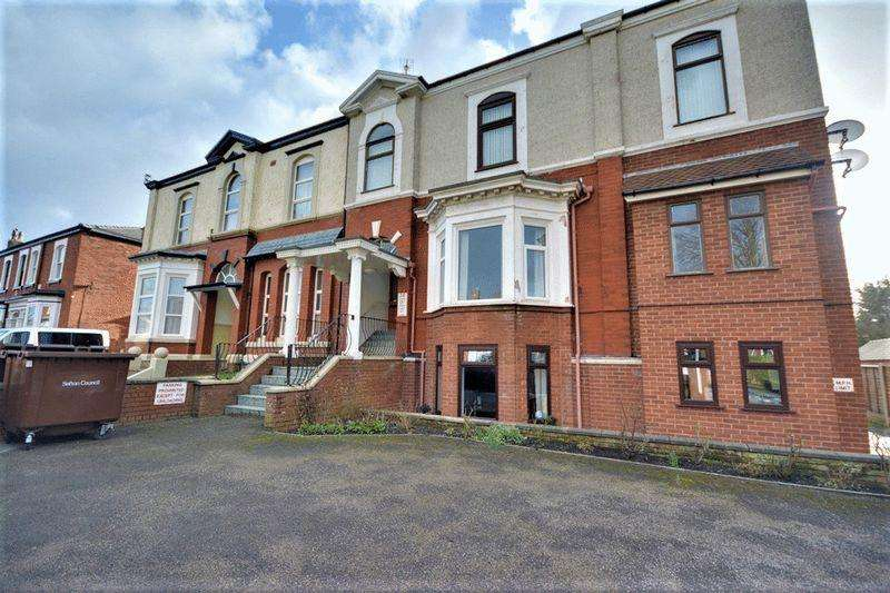 3 Bedrooms Apartment Flat for sale in Marlborough Road, Southport
