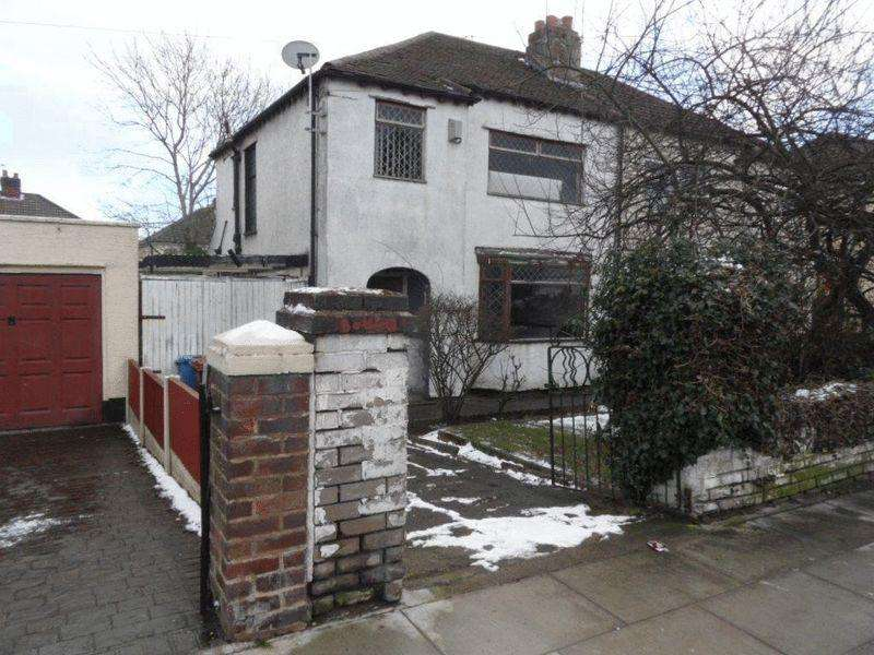 3 Bedrooms Semi Detached House for sale in 22 Page Moss Lane, Liverpool