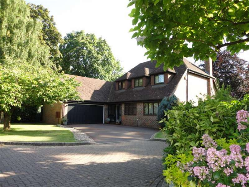 4 Bedrooms Detached House for sale in Farthing Green Lane, Stoke Poges, Buckinghamshire, SL2 4JQ