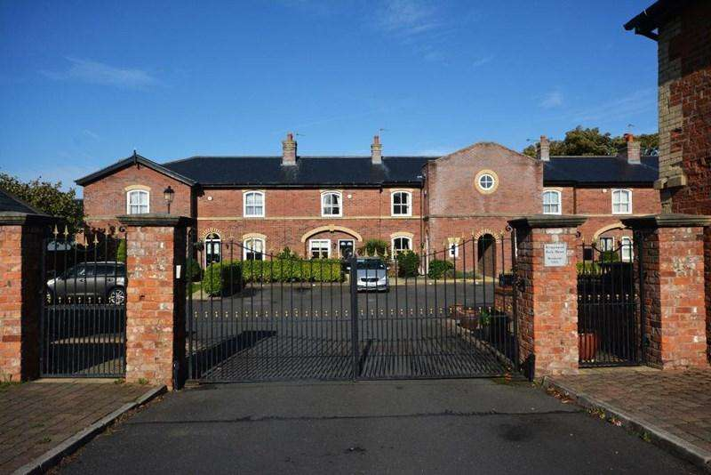 3 Bedrooms House for sale in Kingswood Park, Southport