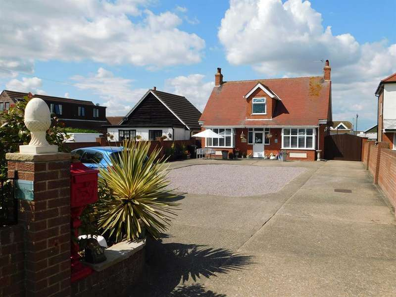 4 Bedrooms Detached Bungalow for sale in Sea Lane , Ingoldmells, PE251NU