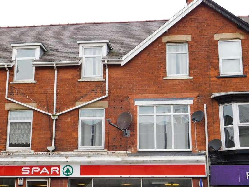 3 Bedrooms Flat for sale in Drummond Road, Skegness, Lincs, PE25 3ES