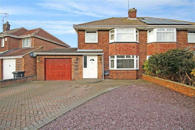 3 Bedrooms Semi Detached House for sale in Grange Drive, Stratton, Swindon