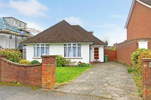 4 Bedrooms Detached Bungalow for sale in Clarence Road, Hersham, WALTON-ON-THAMES, Surrey