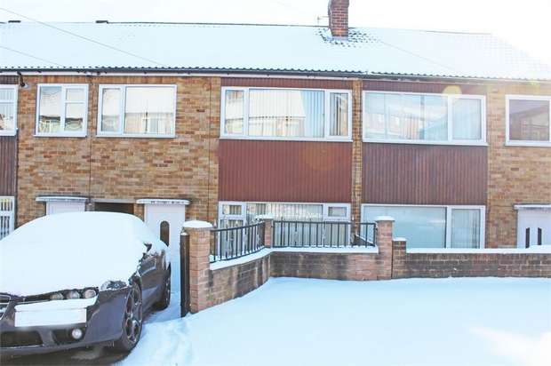 3 Bedrooms Town House for sale in Somerdale Grove, Leeds, West Yorkshire