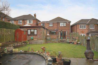 4 Bedrooms Detached House for sale in Netherfields Crescent, Dronfield, Derbyshire