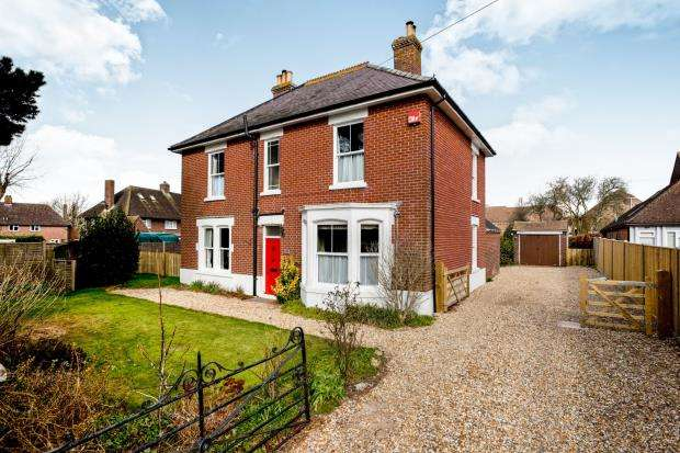 4 Bedrooms Detached House for sale in Southbourne, Emsworth, Hampshire