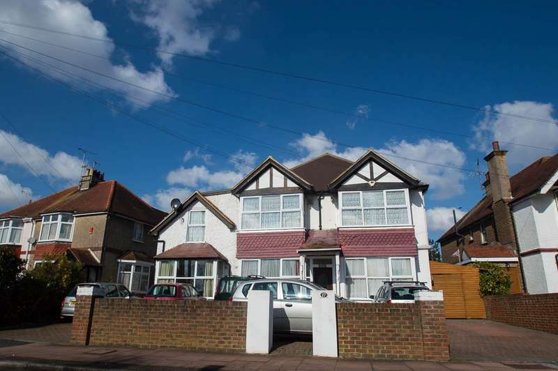9 Bedrooms Detached House for sale in Rosebery Avenue, EASTBOURNE