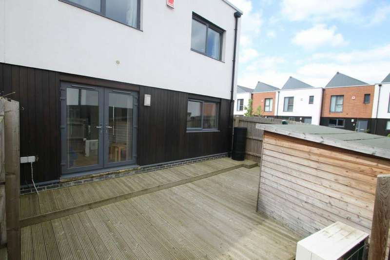 2 Bedrooms Semi Detached House for sale in Wheatsheaf Way, Leicester