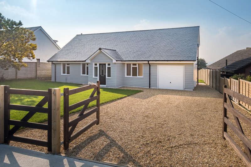 4 Bedrooms Detached House for sale in Whippingham, Isle Of Wight