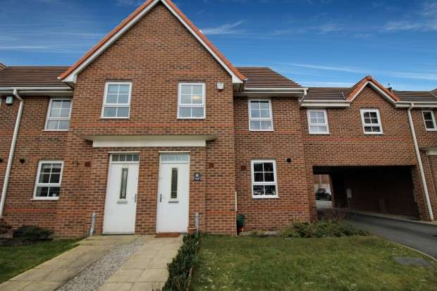 3 Bedrooms End Of Terrace House for sale in Hawthorn Drive, Thornton-Cleveleys, FY5