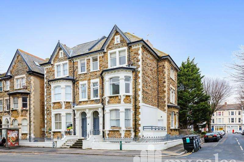 1 Bedroom Flat for sale in Cromwell Road, Hove, BN3