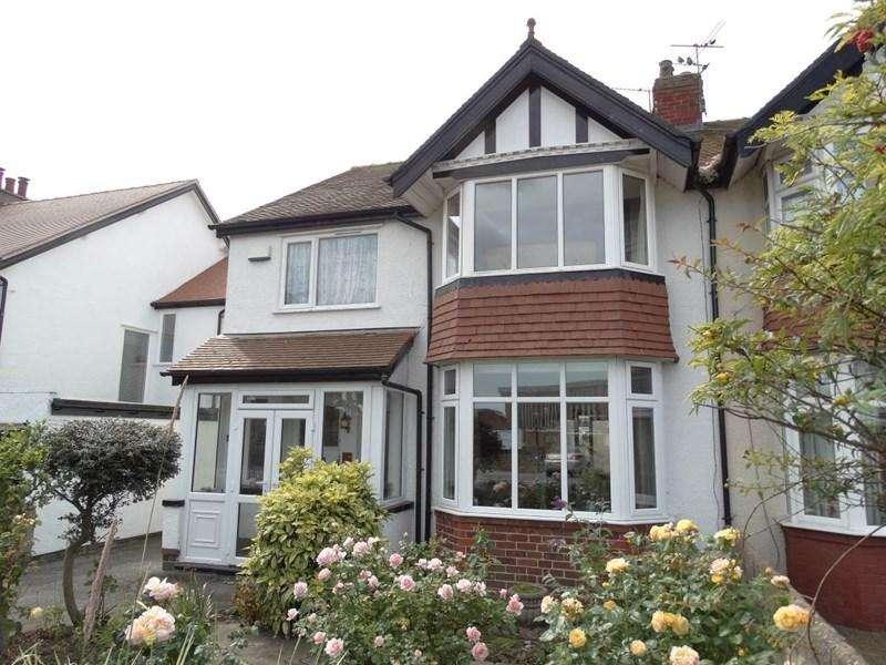 3 Bedrooms Semi Detached House for sale in 24 Glan Y Mor Road, Penrhyn Bay