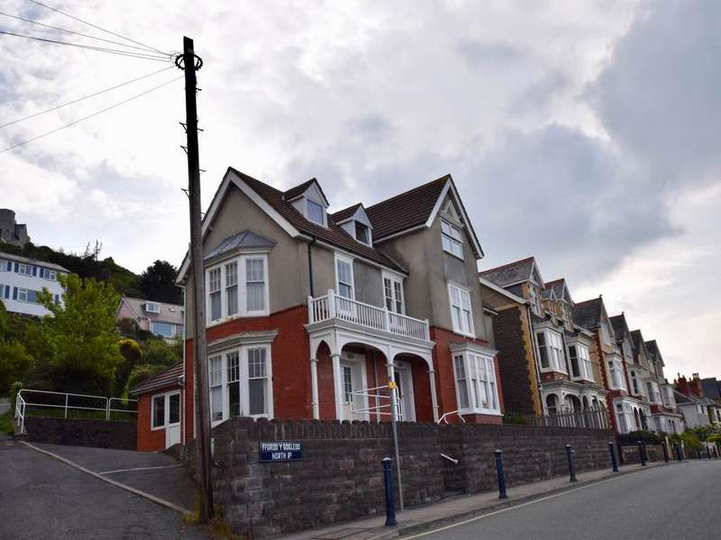 1 Bedroom Flat for rent in 3 Lluest, North Road, Aberystwyth