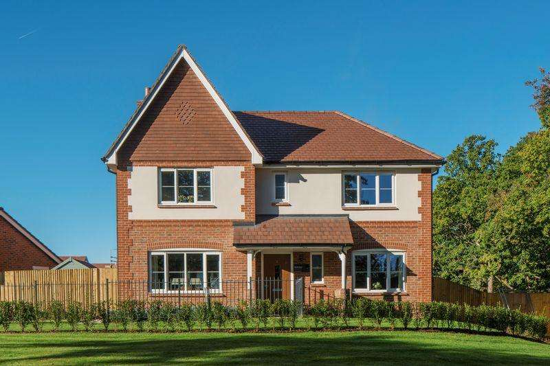4 Bedrooms Detached House for sale in The Orchard, Longhurst Park, Cranleigh
