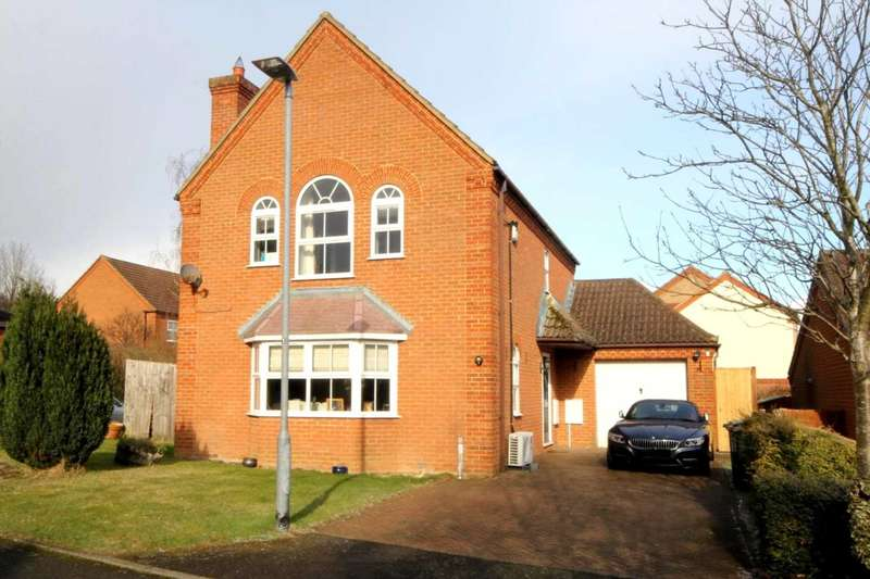 3 Bedrooms Detached House for sale in OVER 1300 Sq Ft with 3 DOUBLE BEDS & ENSUITE to MASTER, HP1