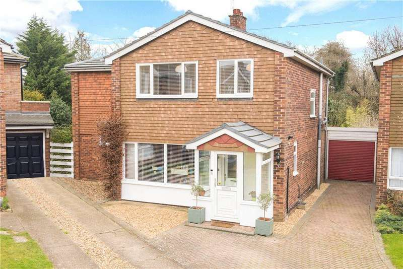 4 Bedrooms Detached House for sale in Freewaters Close, Ickleford, Hitchin, Hertfordshire