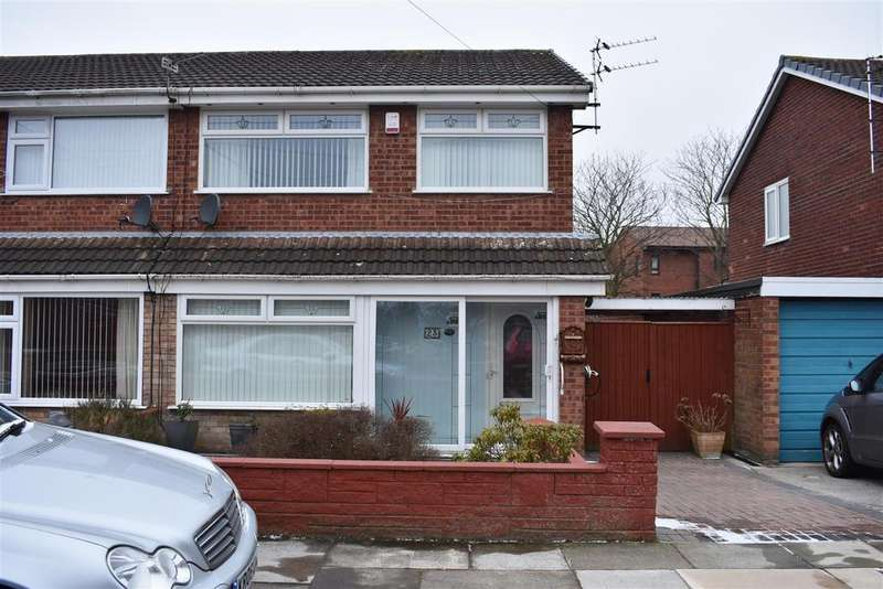 3 Bedrooms Semi Detached House for sale in Meadowcroft, Sutton